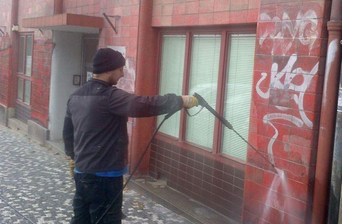 odstraňování graffiti